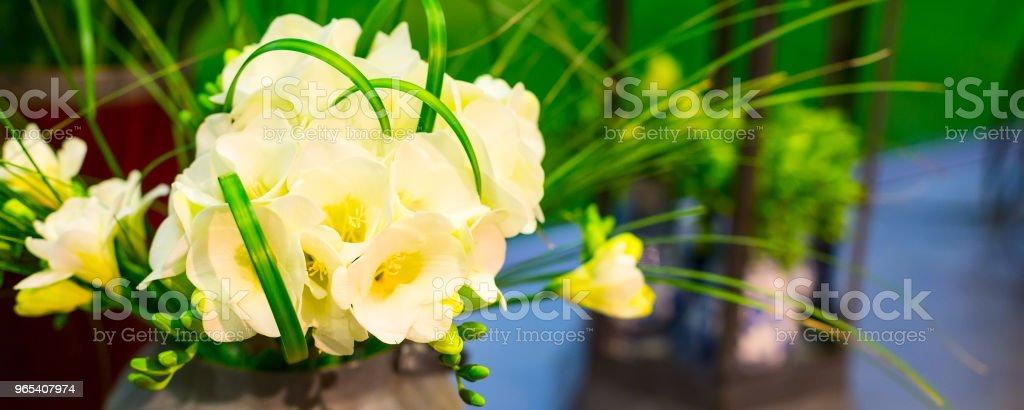 flower composition of yellow alstroemeria zbiór zdjęć royalty-free