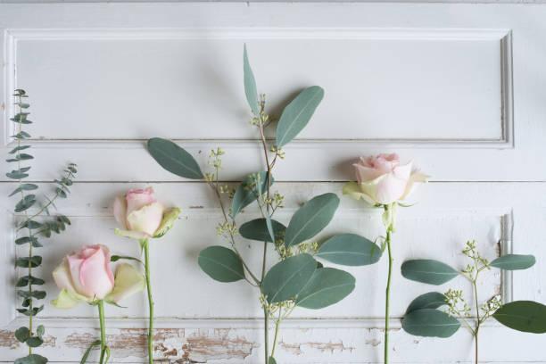Flower decoration on vintage wood picture id1130477804?b=1&k=6&m=1130477804&s=612x612&w=0&h=ddvkicugimnqbaphvnegpfcfjkp909pqcr7y9pgza 8=