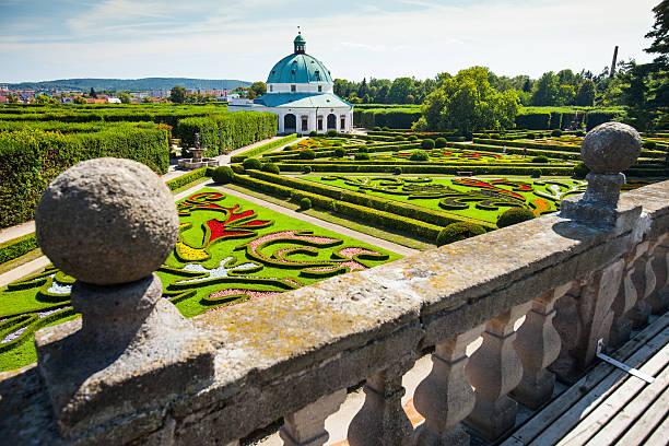 Flower garden von Schloss in Kromeriz, Tschechische Republik. UNESCO ZUM WELTKULTURERBE ERKLÄRT WURDE. – Foto