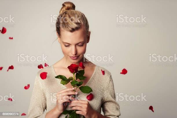 Flower girl picture id658390274?b=1&k=6&m=658390274&s=612x612&h=etvio5qx5 qs1jkirps0tjvztn9owwlev1vun32r5cy=