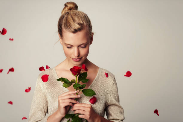 flower girl - mulher flores - fotografias e filmes do acervo