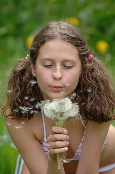 flower girl - high school bilder stock-fotos und bilder