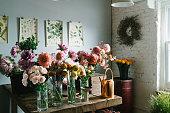 istock Flower shop 1069113788