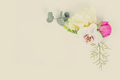 istock Flowers flat lay composition 992395434