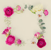 istock Flowers flat lay composition 992395480
