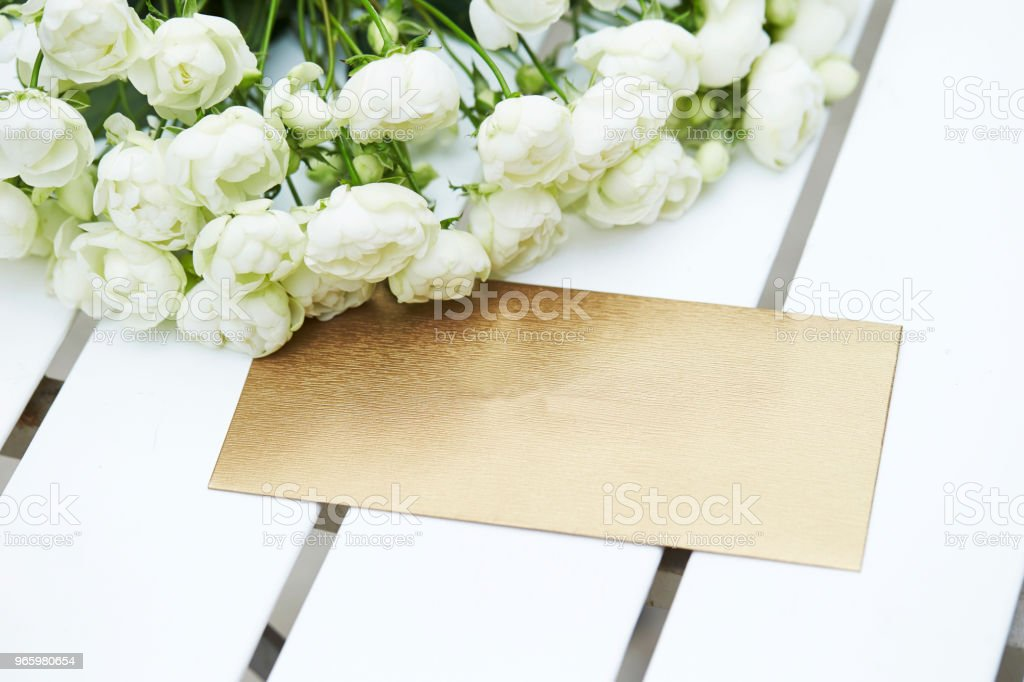 Flowers with envelope - Royalty-free Beauty Stock Photo