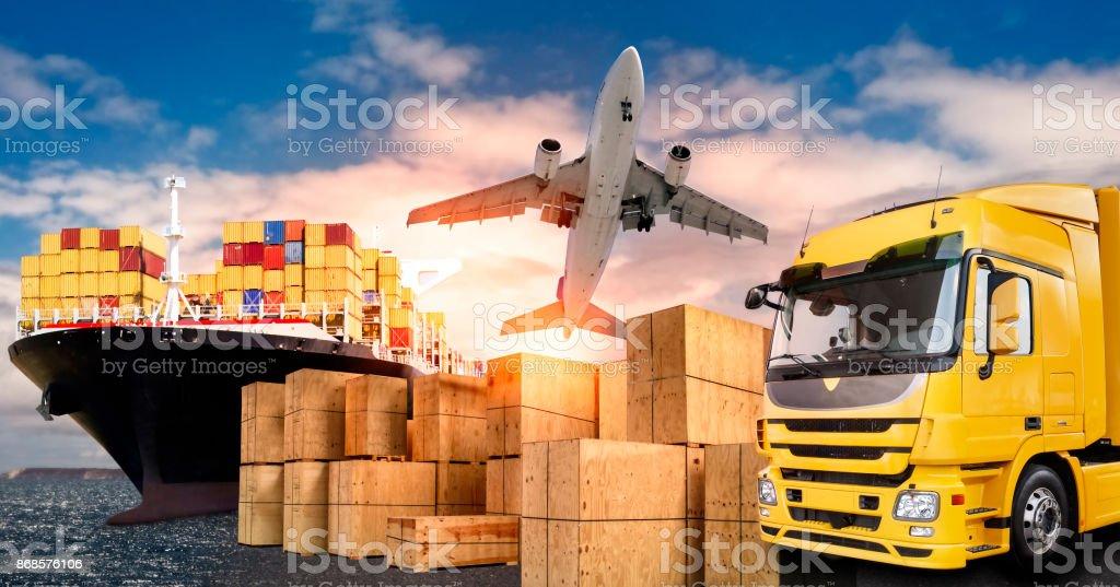 LKW, Flugzeug und Schiff für den Transport von Waren - Photo