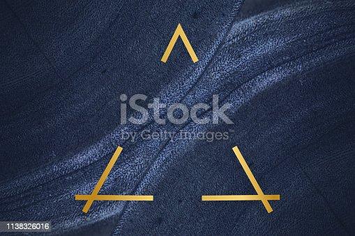 istock Fluid design backdrop frame 1138326016