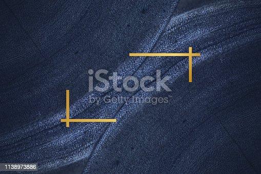 istock Fluid design backdrop frame 1138973886