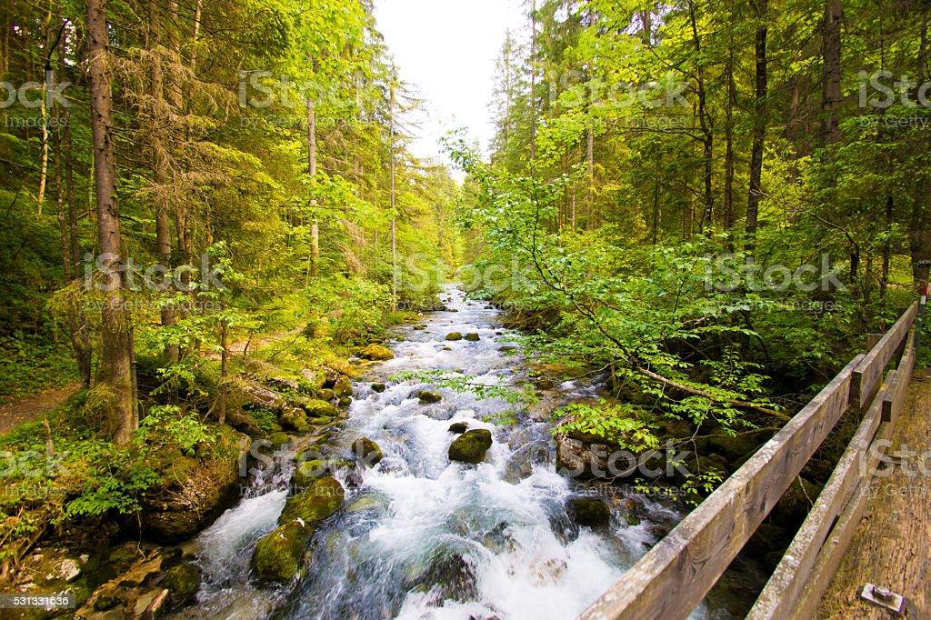 Flusslauf mit Steinen stock photo