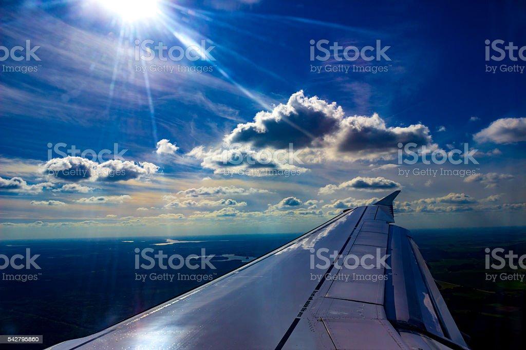 Fliegen über den Wolken – Foto