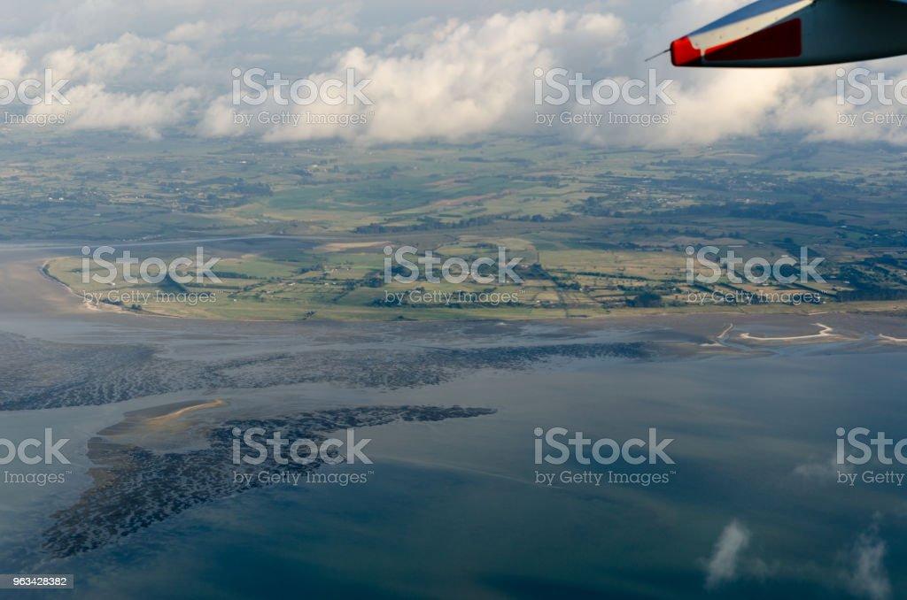 Voler au-dessus des nuages, vue depuis l'avion - Photo de Ambiance - Événement libre de droits