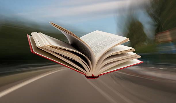 flug buchen - schnell lesen lernen stock-fotos und bilder