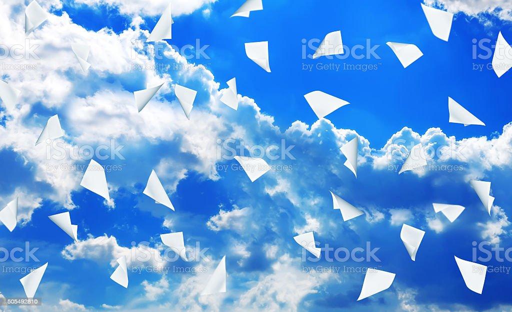 Livro de negócios voando - foto de acervo
