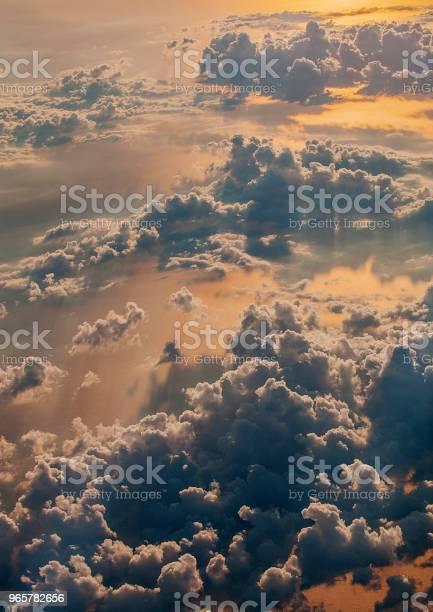 Flying High - Fotografias de stock e mais imagens de Acima
