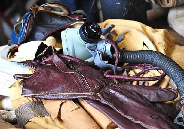 ww2 flugzeug kit - mae west stock-fotos und bilder