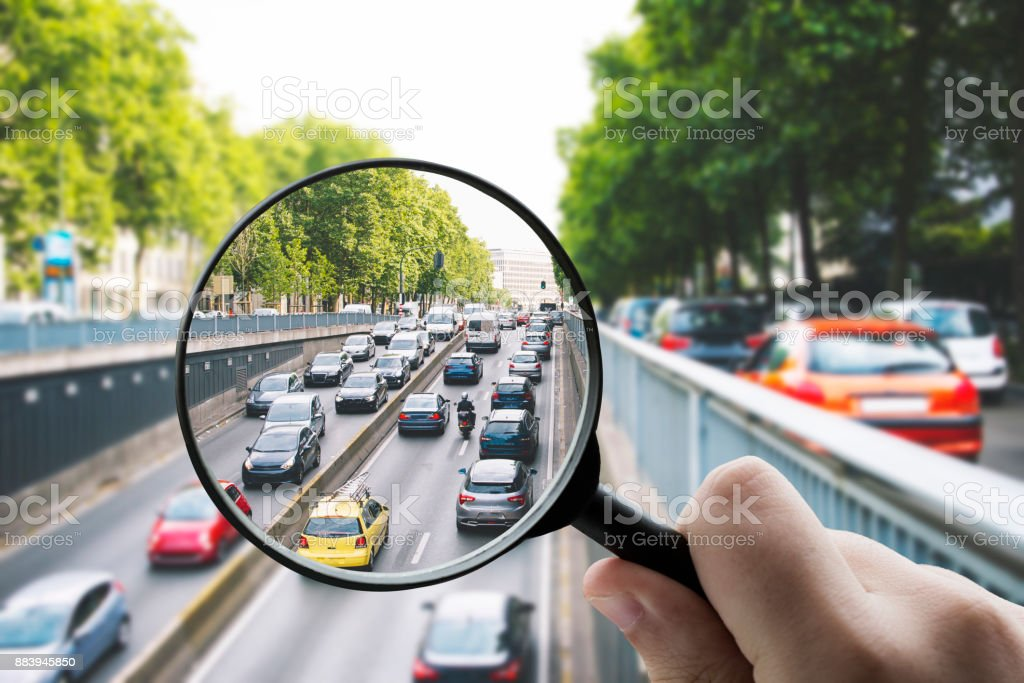 Konzentration auf den Verkehr – Foto