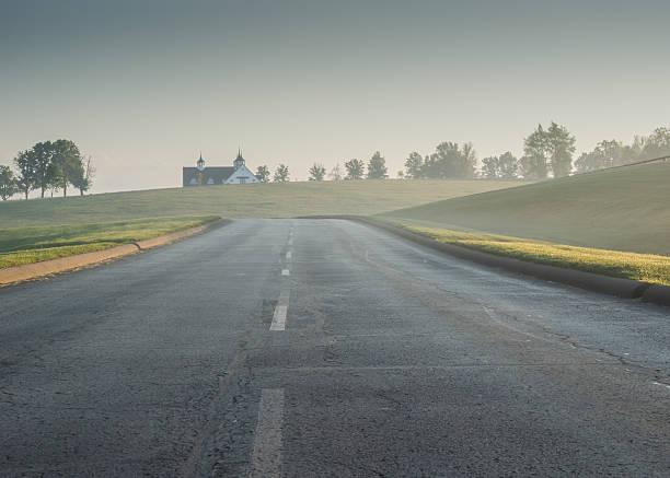 Foggy road at keeneland picture id537639424?b=1&k=6&m=537639424&s=612x612&w=0&h=is8k22n6dwlxnyw6tfzxqt62ha53xxxzecelijtdga0=
