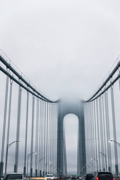 Nebglanz Verrazano-Narrows Hängebrücke in New York City – Foto