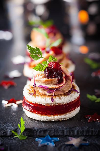foie gras und cranberry-chutney - aufstrich weihnachten stock-fotos und bilder