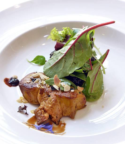 foie gras mit salat - gänsefett stock-fotos und bilder