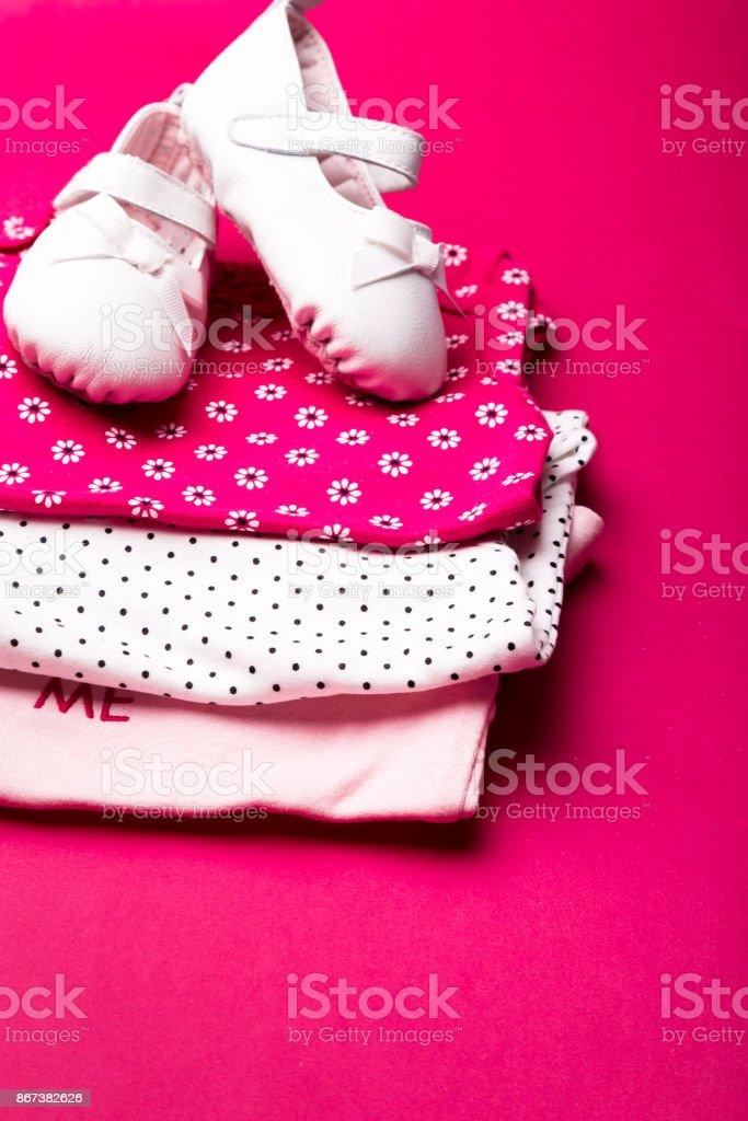 minimalista recién en él rosa el con rosa Doblado pañal fondo zapatos mono sobre para wOqqT