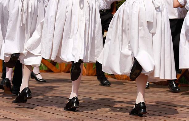 folk dancers - 匈牙利文化 個照片及圖片檔