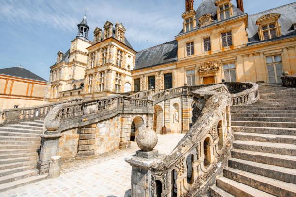 Fontainebleau mit berühmten Treppe in Frankreich – Foto