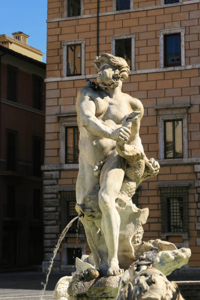 fontana del moro in piazza navona in the morning, rome, italy. - tierpenis stock-fotos und bilder