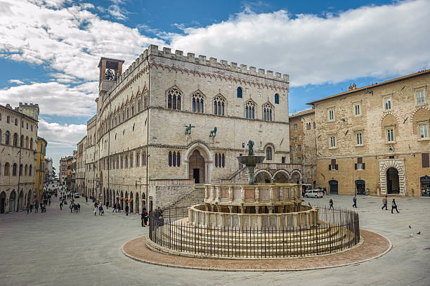 Fontana Maggiore on Piazza IV Novembre in Perugia, Umbria, Italy Fontana Maggiore on Piazza IV Novembre in Perugia, Umbria, Italy umbria stock pictures, royalty-free photos & images