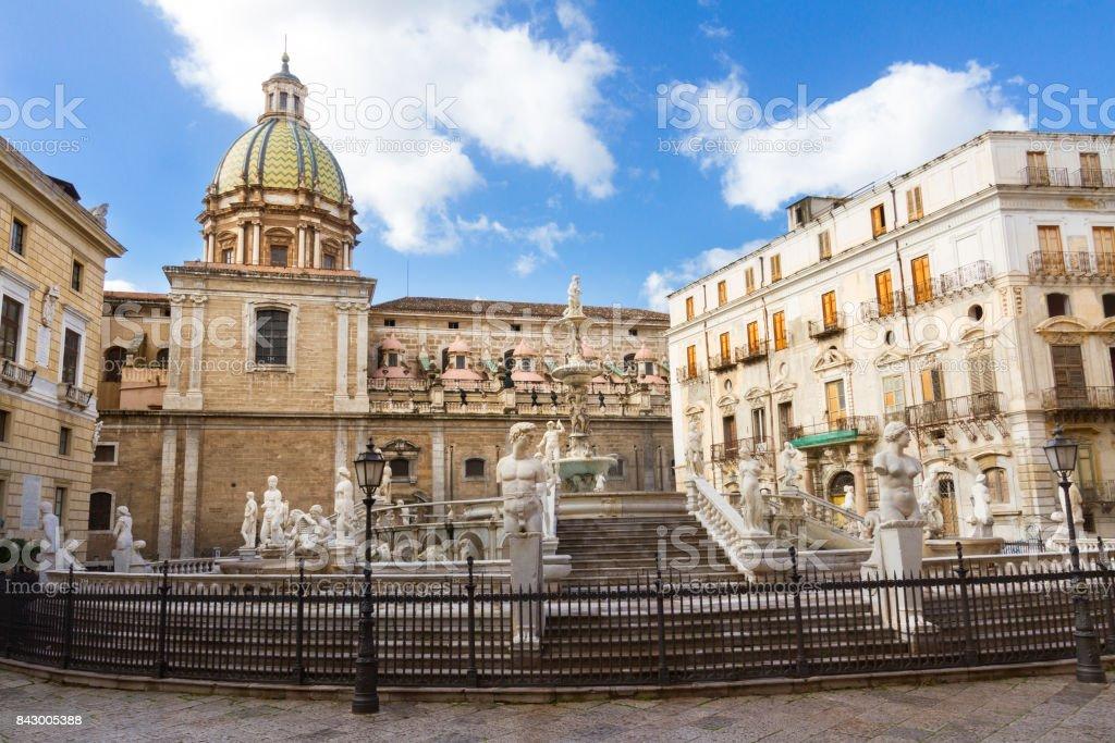 Fontana Pretoria in Palermo, Sizilien, Italien Lizenzfreies stock-foto