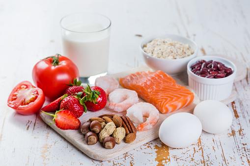 食物アレルギーの主要なアレルゲンの食品コンセプト - アレルギーのストックフォトや画像を多数ご用意