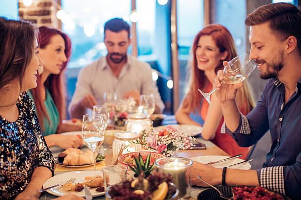 food and wine lovers - gastronomía fina fotografías e imágenes de stock