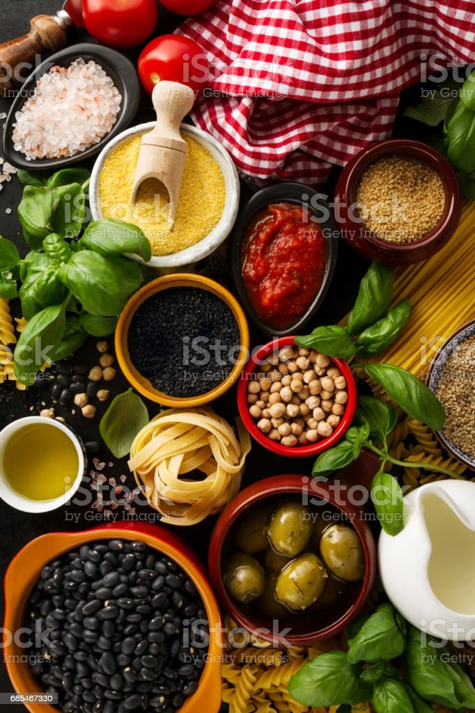 Food background Food Concept with Various Tasty Fresh Ingredients for Cooking. Italian Food Ingredients. View from Above. foto de stock royalty-free
