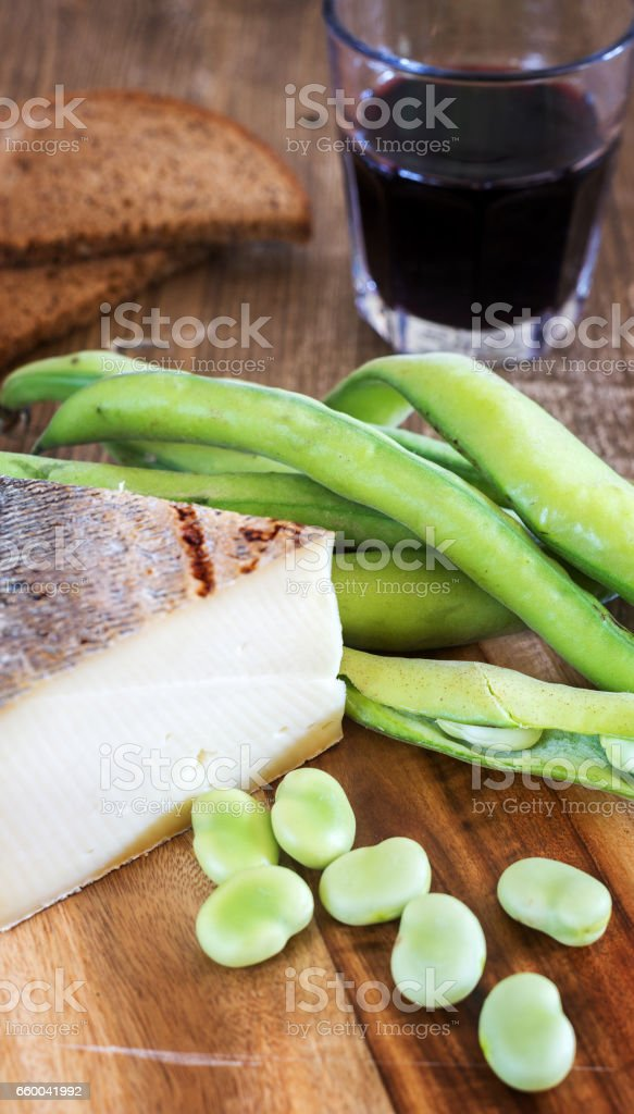 Food: fave e pecorino stock photo