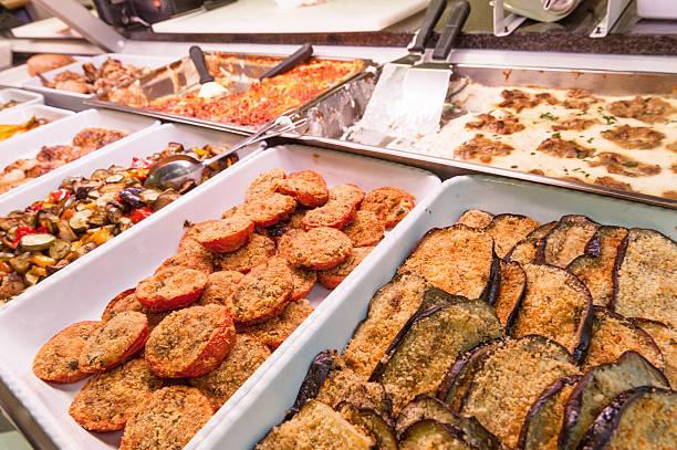 food-buffet - pasta deli stock-fotos und bilder