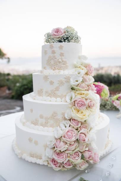 Italienische Hochzeitstorten Bilder Und Stockfotos Istock