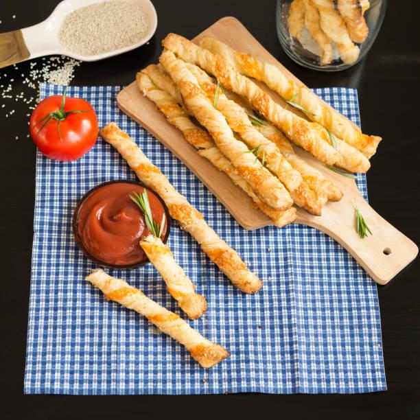 Speisen. Hausgemachte backen. Brot-Produkten. Käse mit Brot gereicht. – Foto