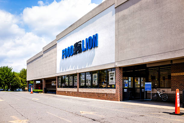 Food Lion retail grocery supermarket facade in Virginia stock photo