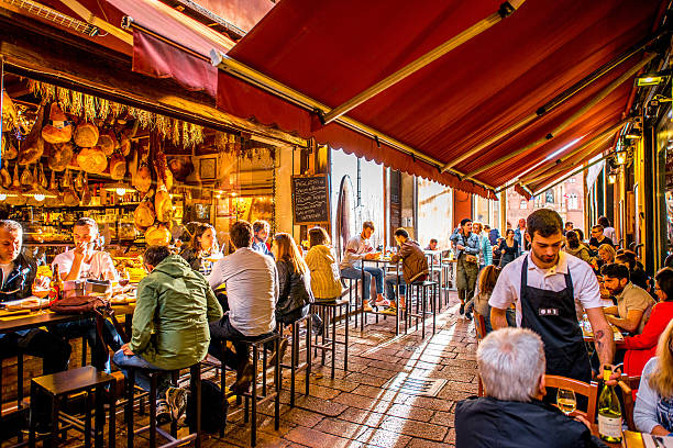 food markets in bologna - bolonia zdjęcia i obrazy z banku zdjęć