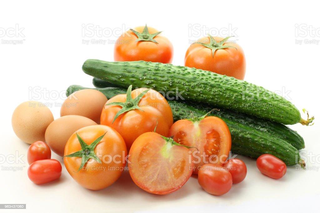 Food raw:: eggs, cucumbers, tomatoes isolated on white background - Zbiór zdjęć royalty-free (Białe tło)