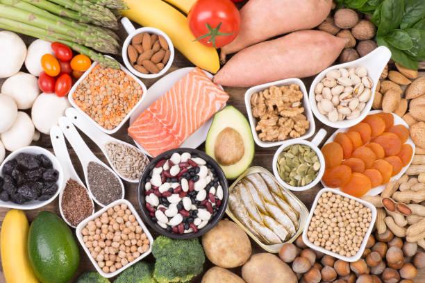 voedsel rijk aan kalium - kalium stockfoto's en -beelden