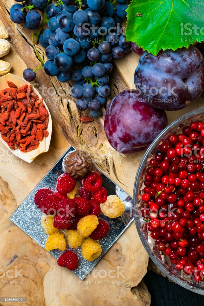 Food Rich With Resveratrol Grapes Plums Goji Peanuts