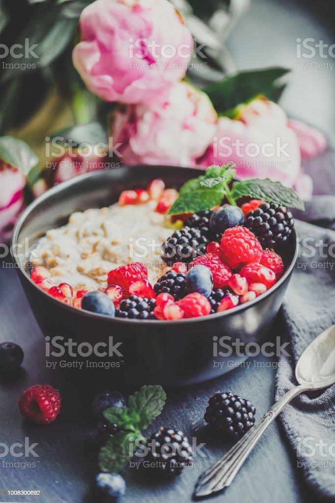 食品トレンド-一晩オート麦 ストックフォト