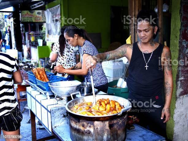 Food vendor deep fries saba banana with brown sugar picture id1072793756?b=1&k=6&m=1072793756&s=612x612&h= miclqj8 yd1ukcl q1kz r93lc6 a7w0kkd8fh0y 4=