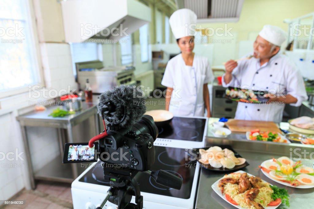 Essen Vlogger Vorbereitung Frühlingsrollen – Foto