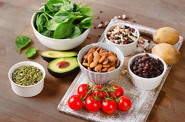 foods containing potassium - буква k стоковые фото и изображения