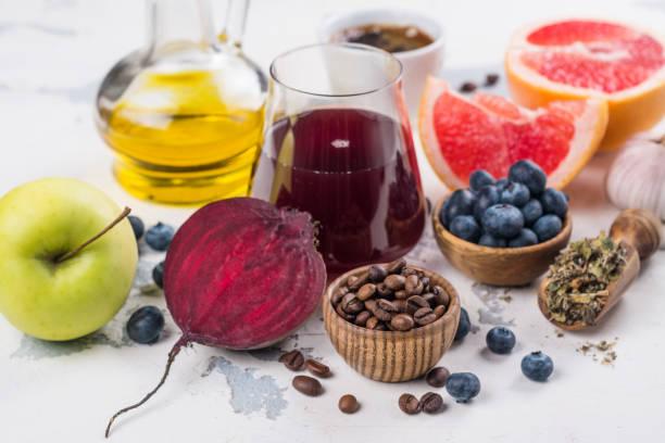 aliments pour la santé du foie - infusion pamplemousse photos et images de collection