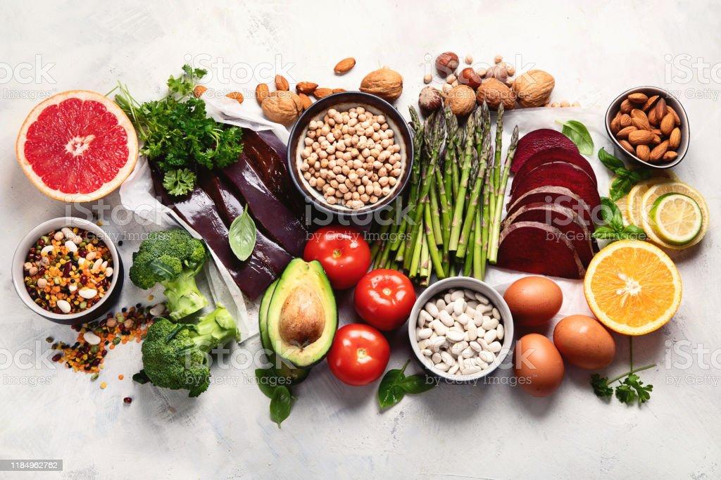 Photo libre de droit de Aliments Riches En Vitamine B9 ...