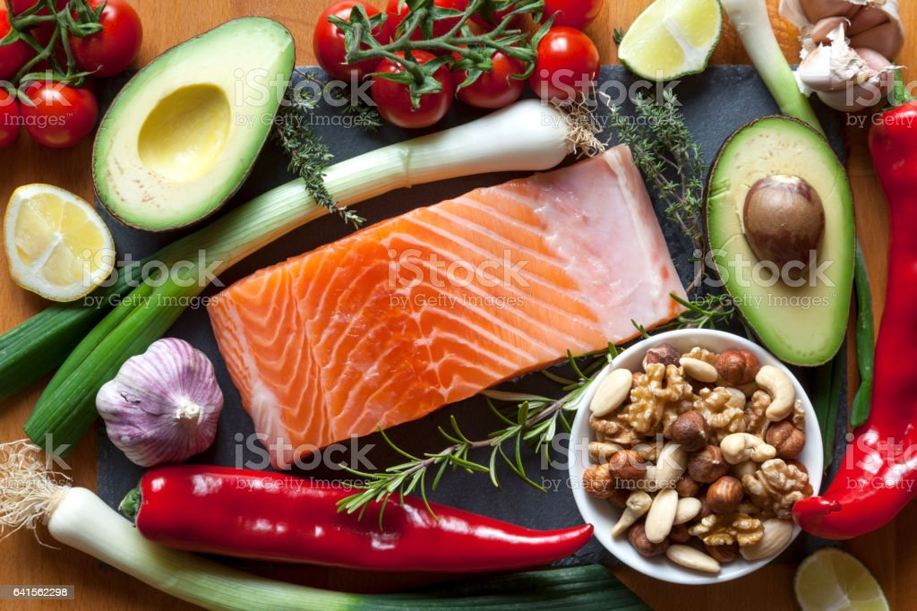 Itens de alimentos ricos em gorduras saudáveis de ômega-3. - foto de acervo